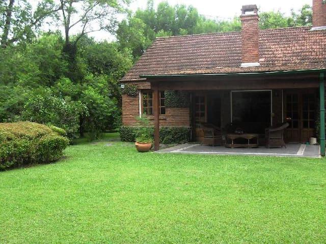 Hermosa Casa en Bella Vista! - Muñiz - Dom