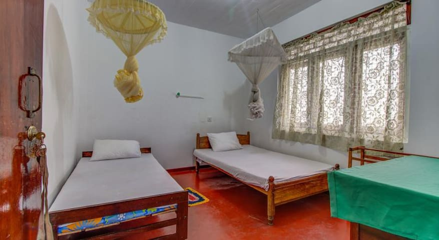 Kind & Love Guesthouse Double with shared bathroom