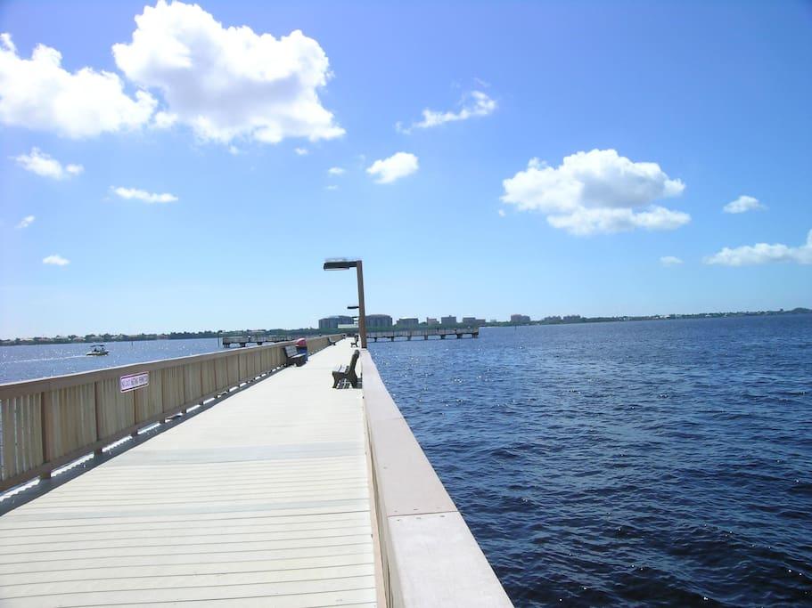 55 2 2 Pool Condo Unforgettable Florida Visits Condominiums For Rent In Cape Coral Florida