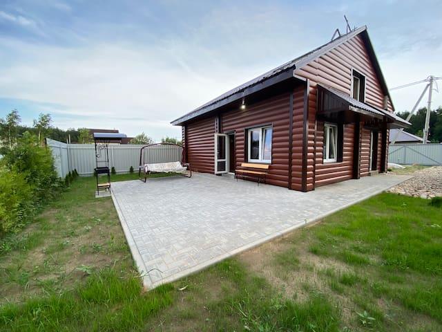 Дом с сауной,бассейном,2 комнаты,барбекю,свой двор