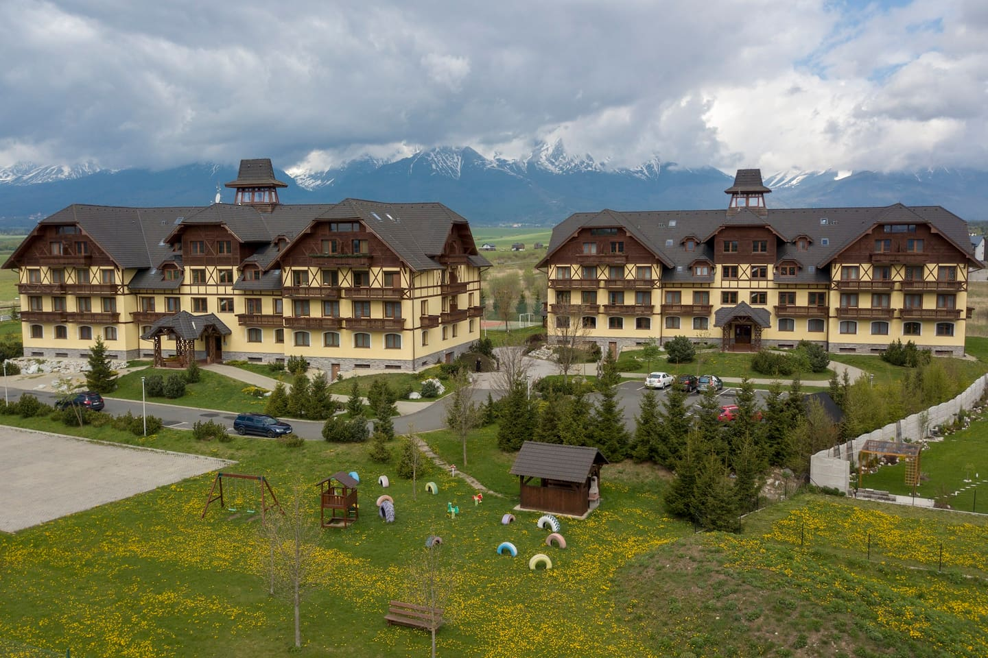 Very nice Apartment with beautiful view to complete High Tatras from balcony with cafe or some drink...