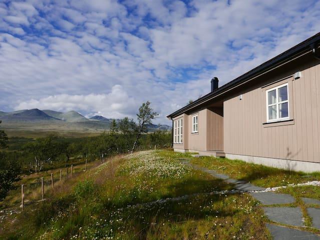 Hytte med panoramautsikt mot Rondane