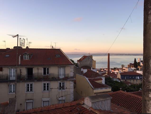 St. George Castle Apartment - Lisbon - House
