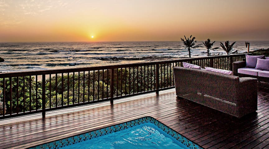 Amanzi Beach House - spectacular beach location