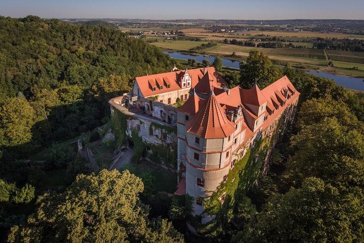 Romantische Zimmer und Appartements im Schloss