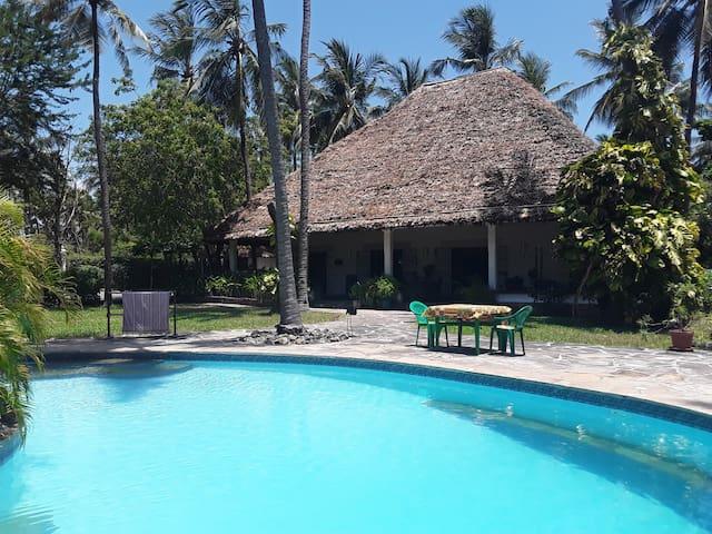 Tikiti Maji, Watamu , villa with pool