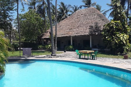 Tikiti Maji, Watamu , villa with pool