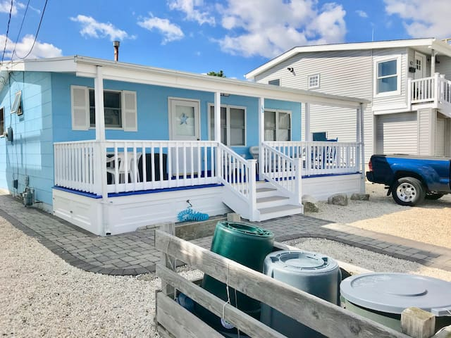 Charming 3BR Cottage in BEACH HAVEN SOUTH/ HOLGATE