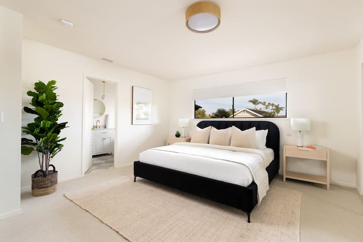 The Master Bedroom has an en suite bathroom  & features a King sized Casper Mattress and Parachute Linens