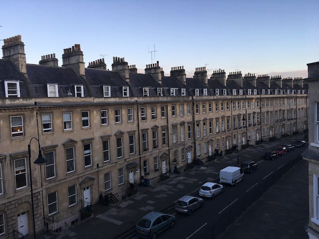 Super central Georgian listed flat - Bath - Apartment