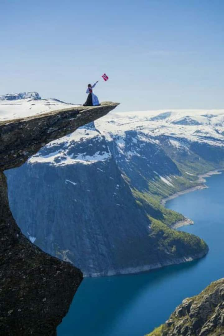 Trolltunga DROP IN