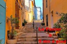 Quartier du Panier à 5 minute à pied