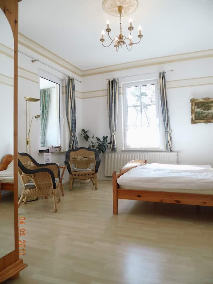 Doppelzimmer mit Wintergarten ***