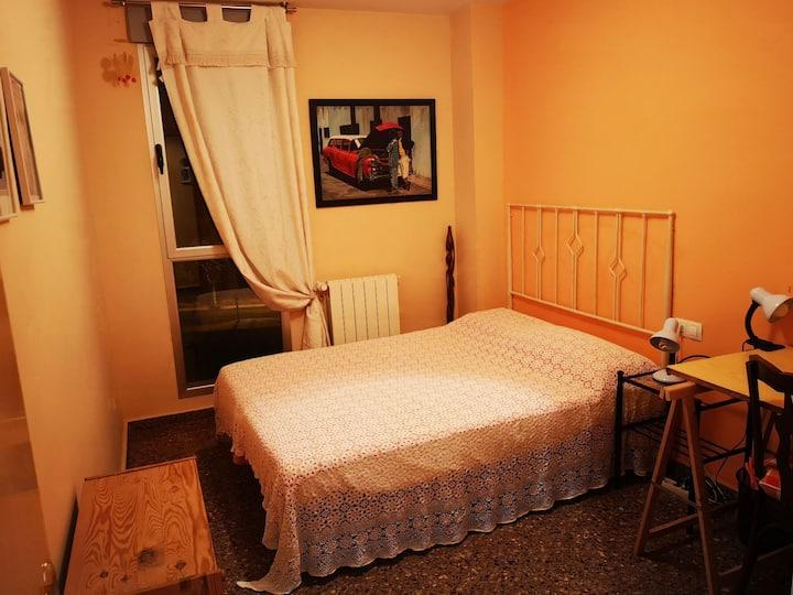 Habitación _baño privado en piso compartido Teruel