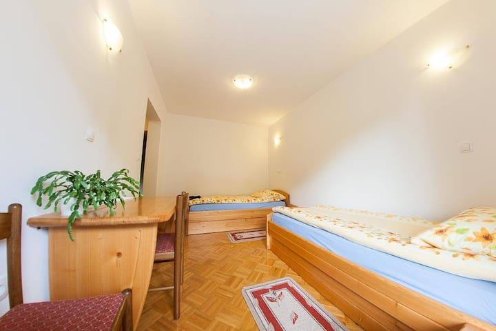Farm Stay Loger - Twin Room with Balcony