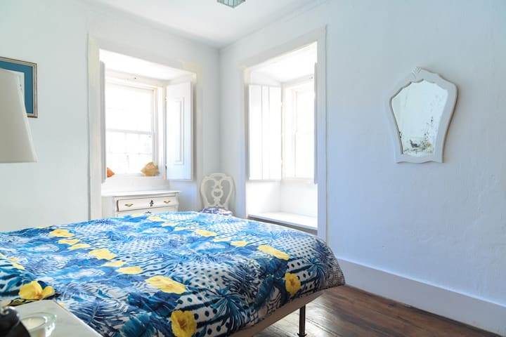 Wonder House - romantic vintage Room - Ericeira - Huis