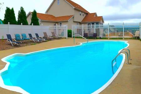 Spacious  Home with a Gameroom,Pool ,Sauna,Hot Tub