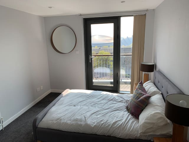 Private room with en-suite, views over Hydro