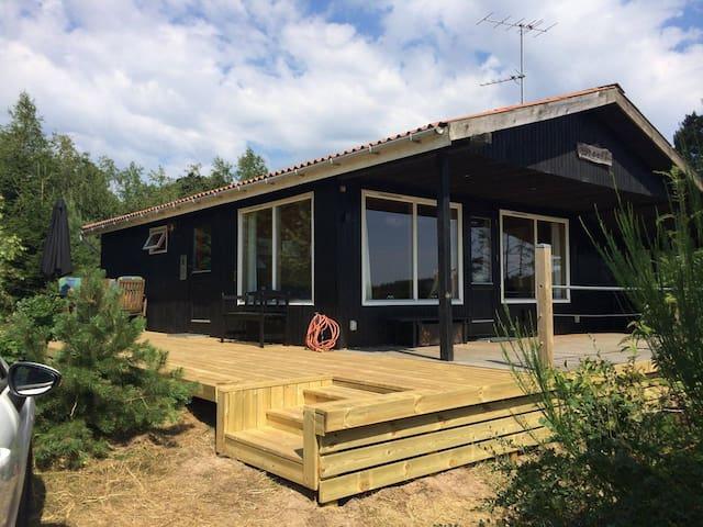 Unik naturgrund på Mols med udsigt og skønt hus!