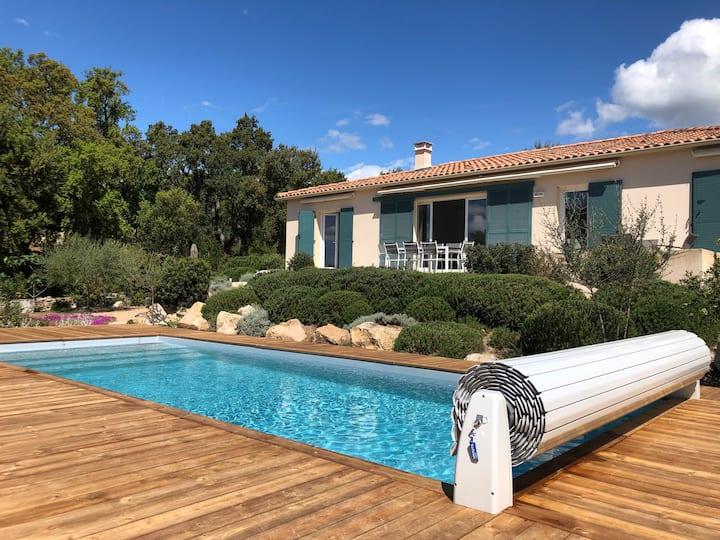 Villa de 6 à 8 personnes - piscine privée chauffée