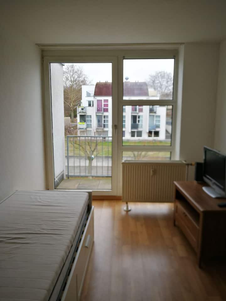 Economic Apartment 110 for 1-2 person near Uni