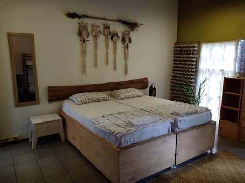 GreenHouse EcoLodge Mantanani Family's room