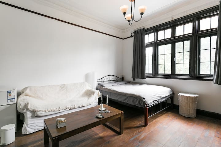 Cozy historical French-Shanghai style apartment