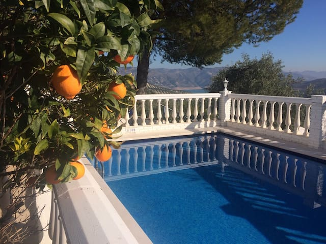 ***** CASA FELIZ *****  Outstanding private villa - Iznájar - Vila