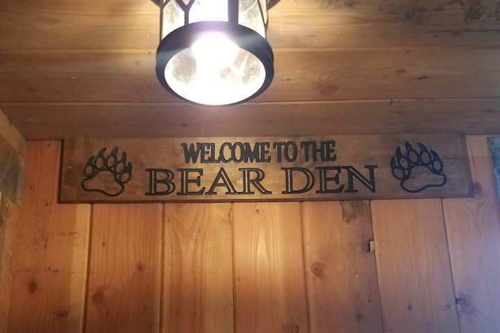 Trails End Bear Den