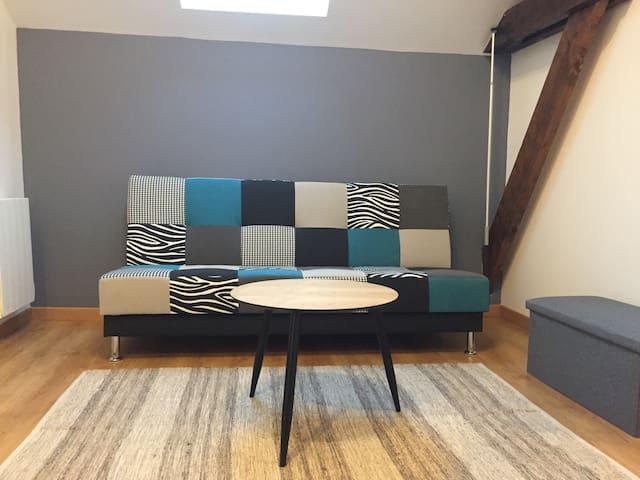 mezzanine et espace jeux Clic-clac servant de lit pour une personne ou deux ados (130 * 190)