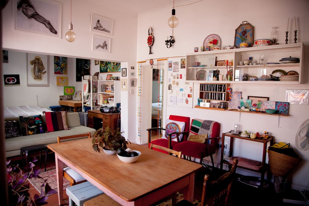 Quirky decor with loads of objects!