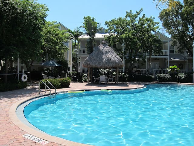 Sunny Key West. 3 bedroom/3 bath.  Family home.