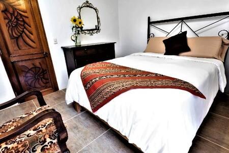 Queen Room Habitacion