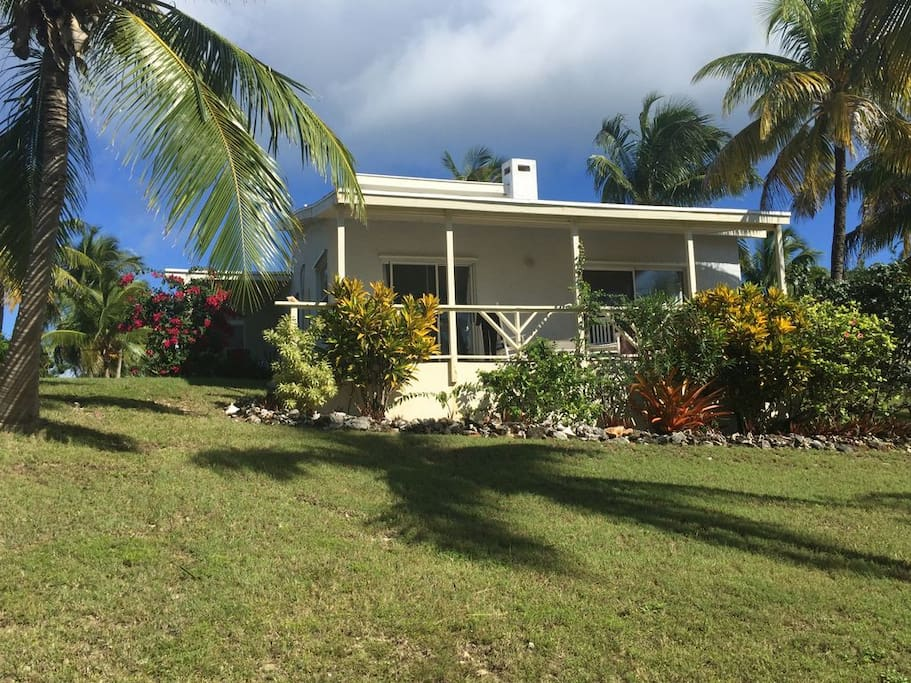 Bella mare houses for rent in gregory town north for Beach houses for rent in bahamas