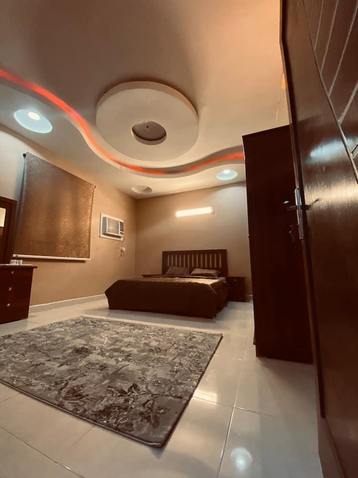 غرفة أنيقة ونظيفة للعوائل