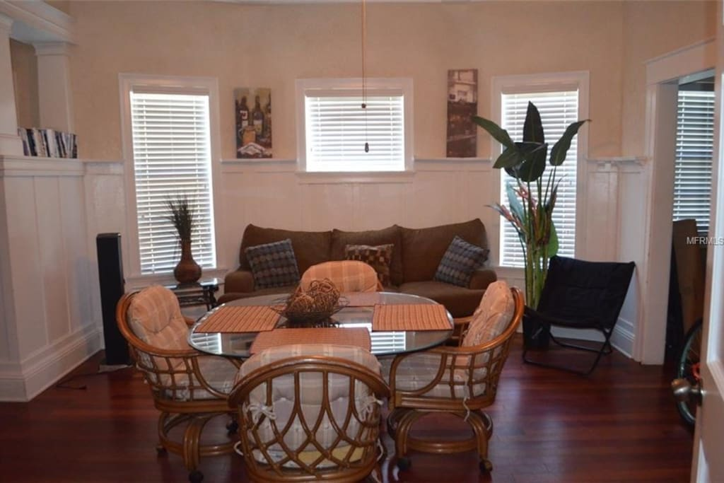 Spacious Dining area great for entertaining !
