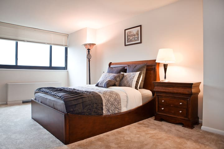 Private Suite & Bath close to Metro & DC - Silver Spring - Flat