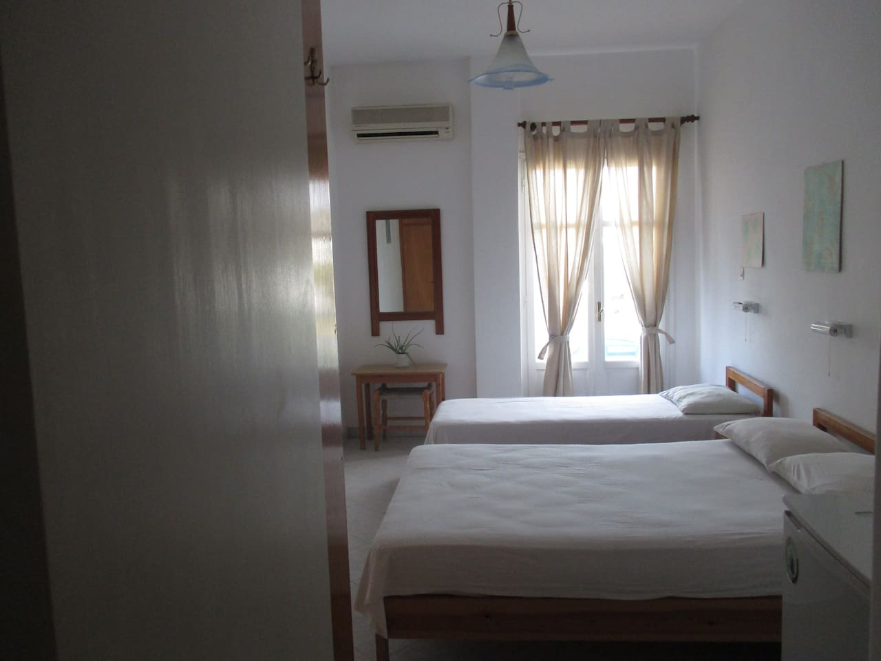 Bright and airy room.  To see videos of the rooms, please try you tube hotel parko channel.