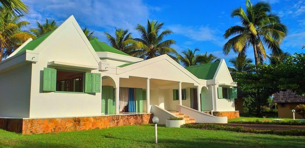 "Villa familiale ""Volahanta"""