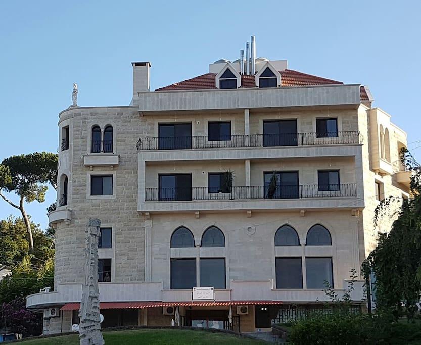 Le Manoir - 4 duplexes, 4 deluxe flats