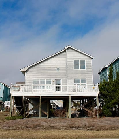 5 Bedroom Ocean Isle Beach Home with Ocean Views! - Ocean Isle Beach - House