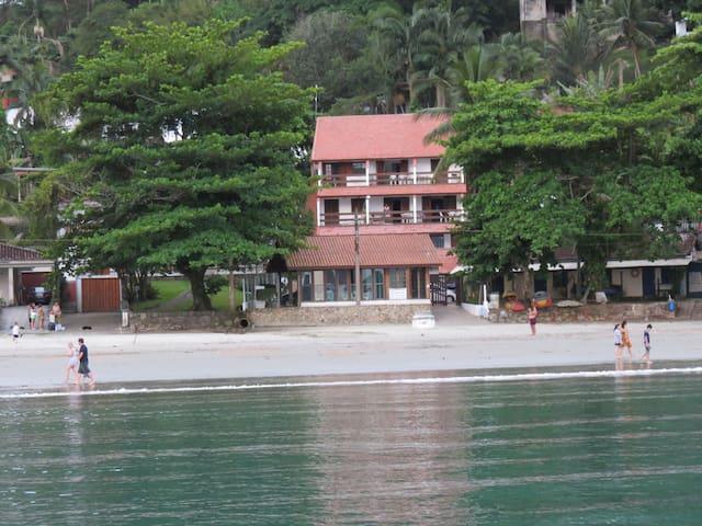 Flats pé na areia PRAIA da ENSEADA, Ubatuba - Ubatuba - Apartemen