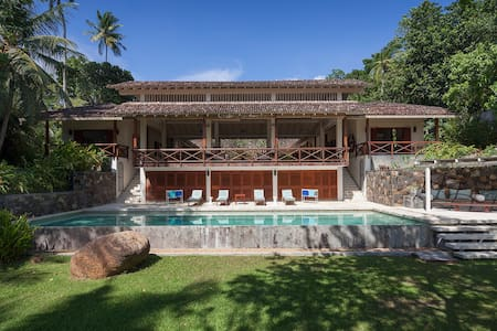 Gorgeous private villa on lake near Galle - Koggala - 别墅