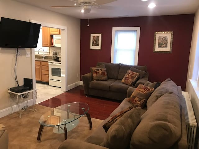 Clean, comfortable & newly updated, Mount Laurel!