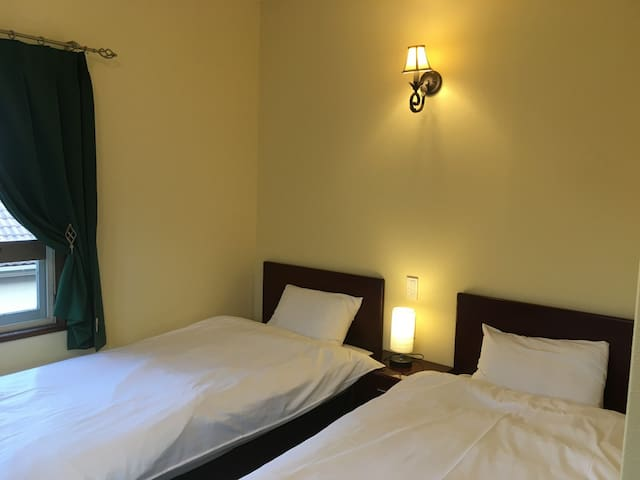 Cozy stay IZU kougen trip ! Twin room