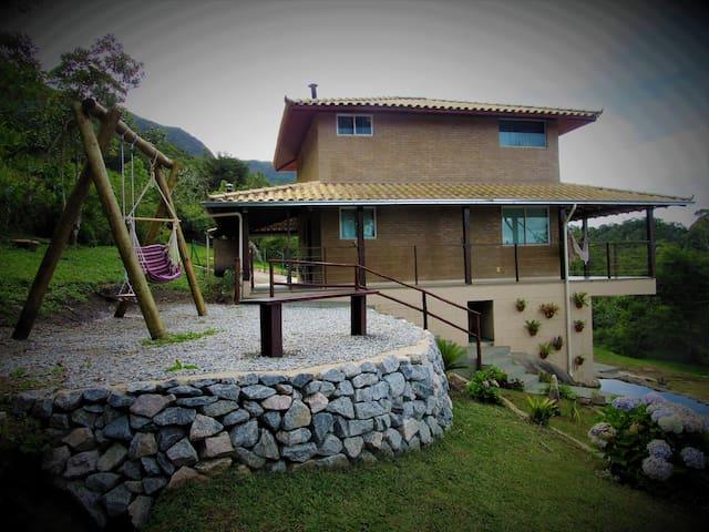 Bela casa na Serra - Pico do Caledônia, 1600m Alt.