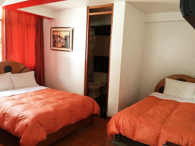 Habitacion Doble ( 2 personas )-Machupicchu - Aguas Calientes - Bed & Breakfast