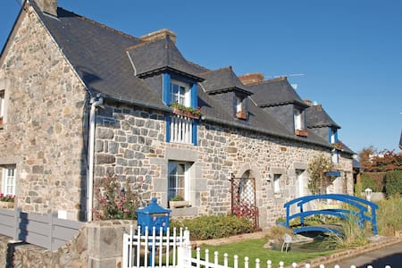Holiday cottage with 4 bedrooms on 120m² in Langueux