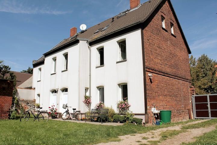 Komfortable Wohnung in modernisiertem Bauernhaus