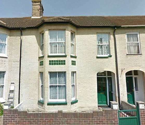 Goodwin House - Lowestoft - Huis